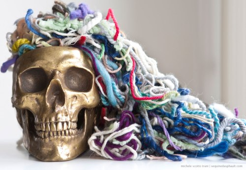 birthday-skull-yarn-w