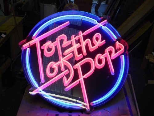 top_of_the_pops_original_neon_01_full